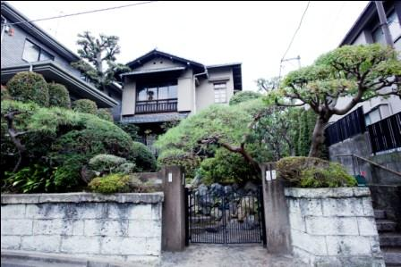 "Tokyu Meguro line Denenchofu station☆Claudia Denen-Chofu☆""A tasteful house in high luxury residential area"""